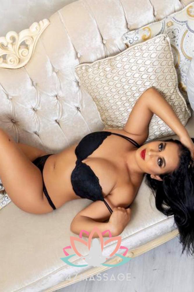 Erotic Massage Rayssa